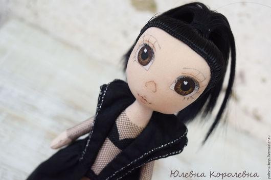 Портретные куклы ручной работы. Ярмарка Мастеров - ручная работа. Купить Портретная интерьерная текстильная кукла. Handmade. Черный, Брюнетка