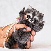 """Куклы и игрушки ручной работы. Ярмарка Мастеров - ручная работа """"Живой"""" енотик Чарли :). Handmade."""