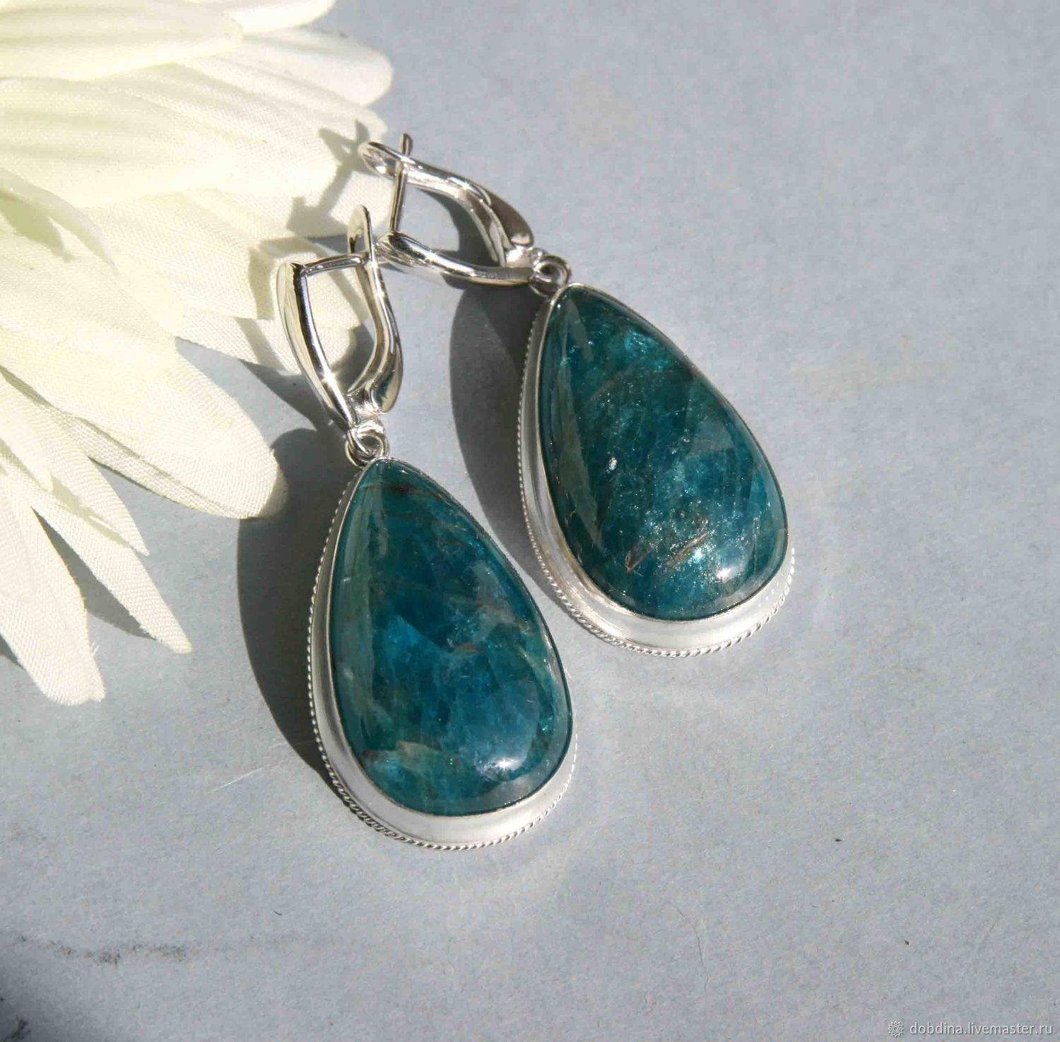 handmade simple neon lagoon drop apatite products earrings gemstone wader foamy blue