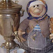 Баба на чайнике