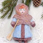 Куклы и игрушки ручной работы. Ярмарка Мастеров - ручная работа ТАНЮШКА елочная игрушка из ваты. Handmade.
