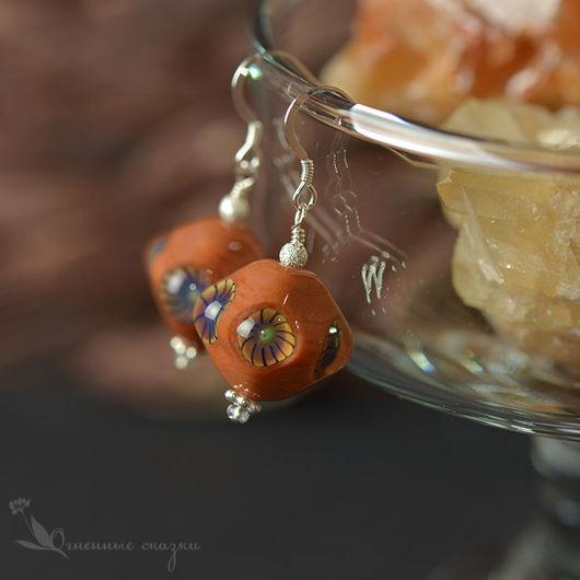 Лэмпворк бохо серьги серебро. На каждый день, терракотовый, оранжевый, охристый, теплые цвета, пряные, яркие цвета, органик бусины, легкие серьги, осень, подарок для подруги, сестры, приятельницы.