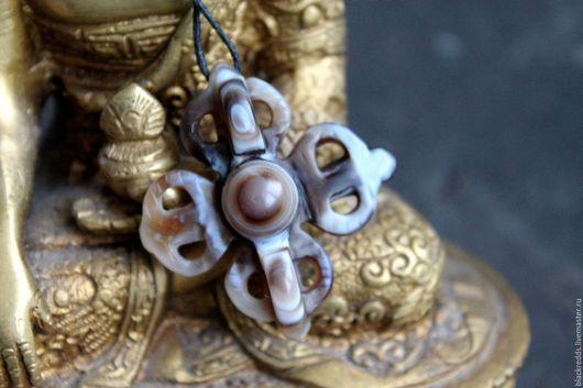 Для украшений ручной работы. Ярмарка Мастеров - ручная работа. Купить Кулон двойная Варджра Дзи. Тибетский агат.. Handmade.