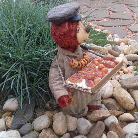 Мишки Тедди ручной работы. Ярмарка Мастеров - ручная работа. Купить тедди-медведь Казимир булочник-лоточник (купить тедди). Handmade.