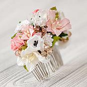 Свадебный салон ручной работы. Ярмарка Мастеров - ручная работа Коралловое украшение для волос,коралловый гребень с цветами. Handmade.