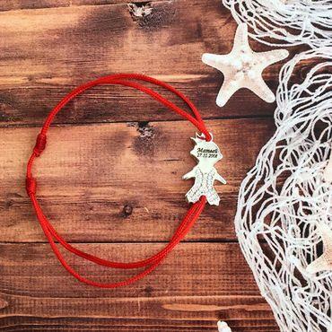 Украшения ручной работы. Ярмарка Мастеров - ручная работа Браслет с мальчиком на красной нити. Серебро 925. Handmade.