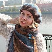 Украшения handmade. Livemaster - original item Accessories kits: Beret with brooch and scarf brown and blue. Handmade.