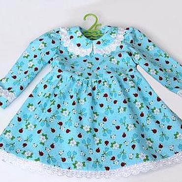 Работы для детей, ручной работы. Ярмарка Мастеров - ручная работа Бирюзовое платье для девочки с божьими коровками, украшенное шитьем. Handmade.