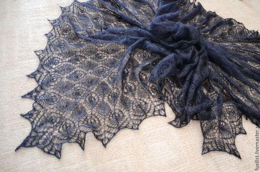 """Шали, палантины ручной работы. Ярмарка Мастеров - ручная работа. Купить """"Черный квадрат""""-большой платок, пуховая паутинка, ручная вязка. Handmade."""