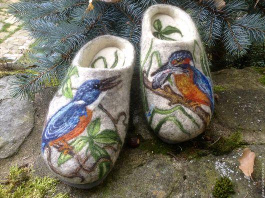 """Обувь ручной работы. Ярмарка Мастеров - ручная работа. Купить Тапочки """" Зимородок обыкновенный"""". Handmade. Тапочки валяные"""