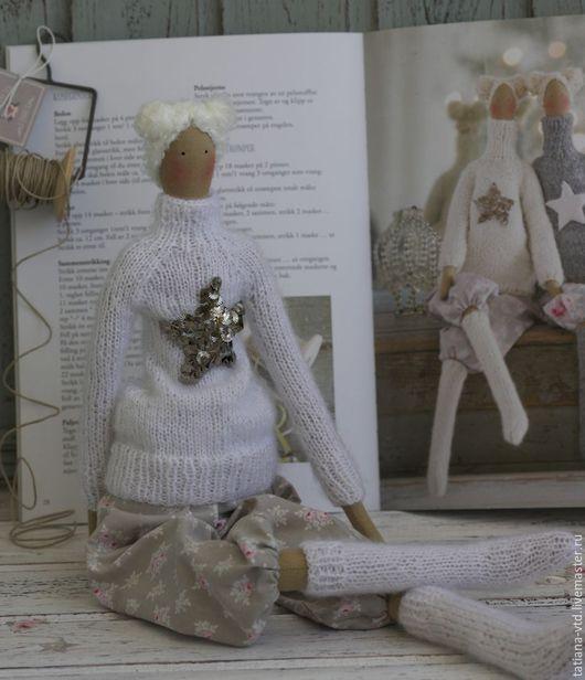 Куклы Тильды ручной работы. Ярмарка Мастеров - ручная работа. Купить Тильда в свитере и чулках белая. Handmade. Белый