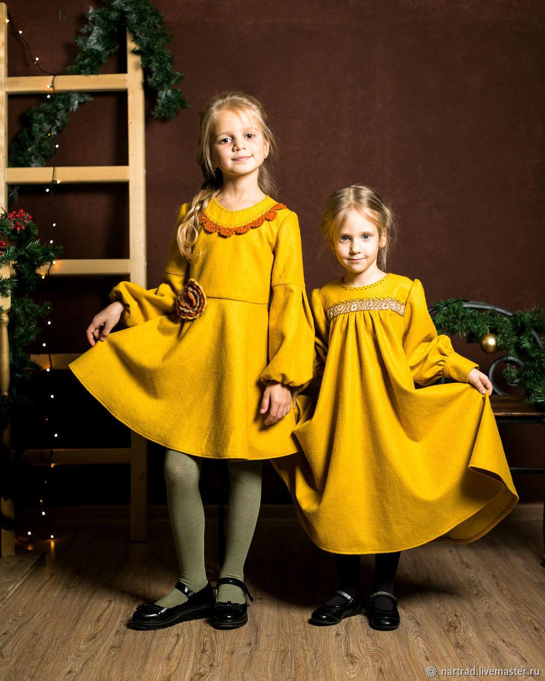 Теплое платье в русском стиле для девочки