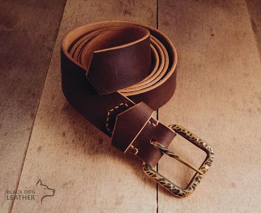 Пояса, ремни ручной работы. Ярмарка Мастеров - ручная работа. Купить Кожаный ремень с кованой пряжкой. Handmade. Ремень, коричневый