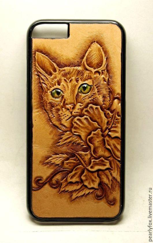 Для телефонов ручной работы. Ярмарка Мастеров - ручная работа. Купить Кожаный чехол (бампер) на Iphone 6 Кошка. Handmade.