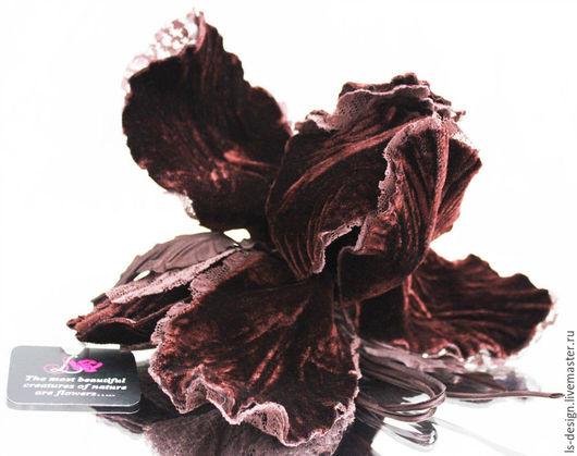 Броши ручной работы. Ярмарка Мастеров - ручная работа. Купить Бархатный ирис «Шоколадный магнат». Цветы из ткани.. Handmade. Коричневый