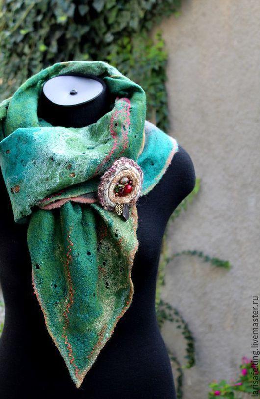 Шарфы и шарфики ручной работы. Ярмарка Мастеров - ручная работа. Купить Валяный шарф Осенний  комплект с брошью.. Handmade. Комбинированный