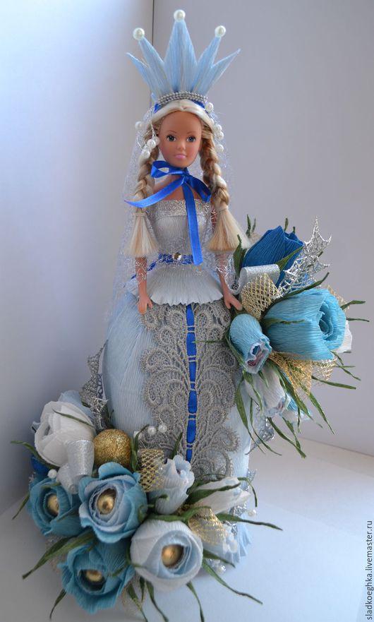 Букеты ручной работы. Ярмарка Мастеров - ручная работа. Купить Кукла в платье из конфет. Handmade. Подарок, конфеты