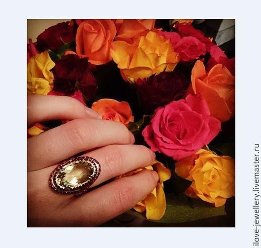 """Кольца ручной работы. Ярмарка Мастеров - ручная работа. Купить """"Triffaty""""-красивое серебряное кольцо с лимонным цитрином и гранатами. Handmade."""