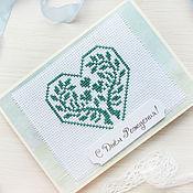 Открытки ручной работы. Ярмарка Мастеров - ручная работа Открытка с вышивкой крестиком. Сердце, дерево, зеленый. Handmade.