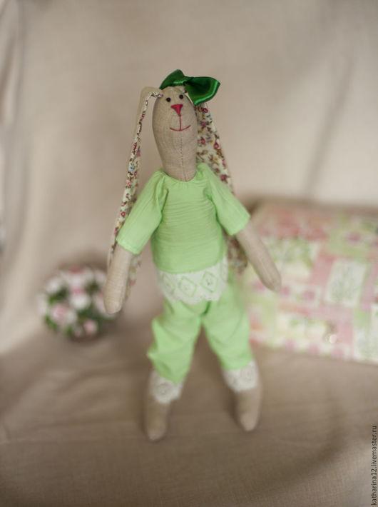 Куклы Тильды ручной работы. Ярмарка Мастеров - ручная работа. Купить Зайчик Тильда с бантиком. Handmade. Комбинированный, ручная работа
