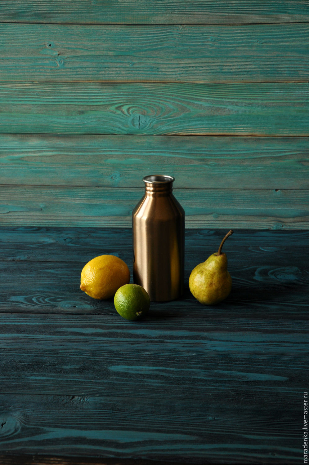 Fotofone. Fotofone wooden. Wooden fotofone. Fotofone of wood. Fotofone for instagram. Fotofone rental. Background for photo shoots. potion. Wall panel loft.