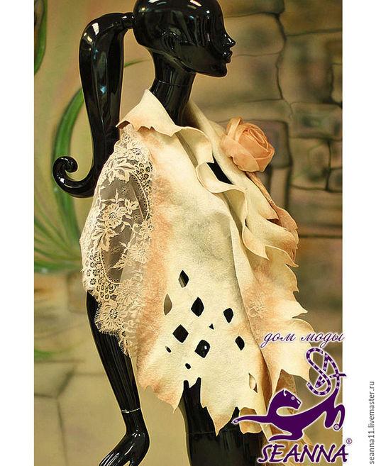 Дизайнер Анна Сердюкова (Дом Моды SEANNA).  Палантин `Чайная роза` ручной работы с цветком-брошью. Цена - 17500 руб.