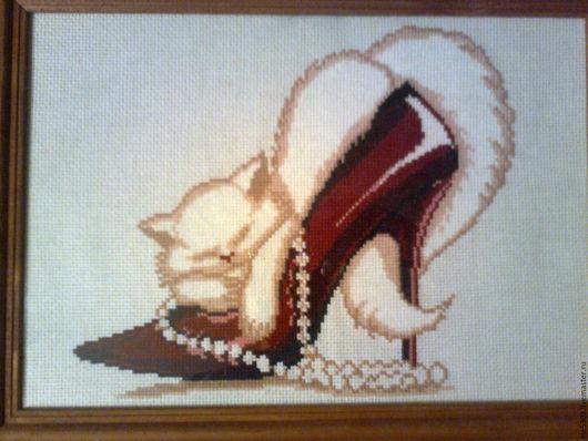 Животные ручной работы. Ярмарка Мастеров - ручная работа. Купить Кошка в туфельке. Handmade. Комбинированный, Вышивка крестом, Декор