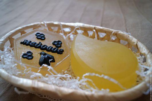 """Мыло ручной работы. Ярмарка Мастеров - ручная работа. Купить Набор мыла """"Медовое + антиакне"""" в корзинке. Handmade. Оранжевый"""