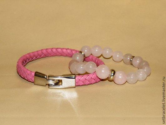Браслеты ручной работы. Ярмарка Мастеров - ручная работа. Купить Комплект женских браслетов: кожаный розовый плетенный и розовый кварц. Handmade.