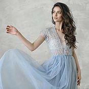 Вечернее голубое платье вышитое бусинами, бисером и пайетками