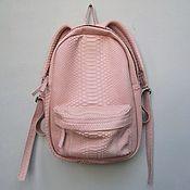 Сумки и аксессуары ручной работы. Ярмарка Мастеров - ручная работа Мини рюкзак нежно розового цвета из кожи питона. Handmade.