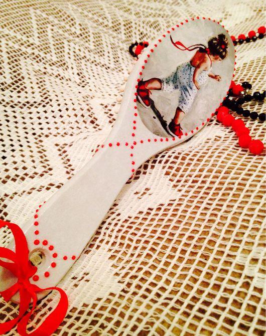 """Гребни, расчески ручной работы. Ярмарка Мастеров - ручная работа. Купить Массажная расческа из дерева """"Юная модница"""". Handmade."""