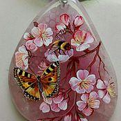 Украшения ручной работы. Ярмарка Мастеров - ручная работа Кулон ,,Сакура в цвету,, отложены, миниатюрная роспись по камню. Handmade.