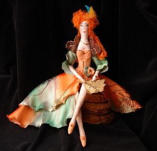 """Куклы Тильды ручной работы. Ярмарка Мастеров - ручная работа. Купить Текстильная кукла """"Рыжая куртизанка"""". Handmade. Тильда, веер"""