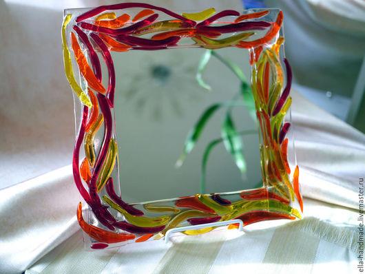 Зеркала ручной работы. Ярмарка Мастеров - ручная работа. Купить Зеркало настольное фьюзинг Рыжие всполыхи. Handmade. Ярко-красный