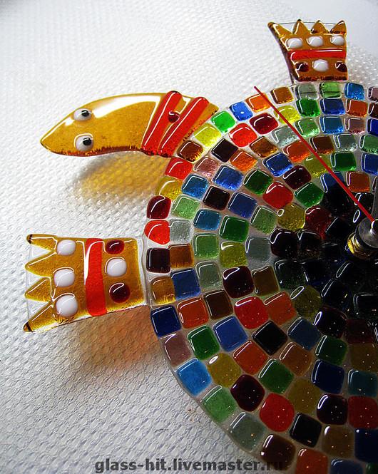 """Фьюзинг. Часы """"Цветная черепаха"""". Стекло."""