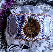 Украшения ручной работы. Ярмарка Мастеров - ручная работа Вышитый бисером браслет с аммонитом и тенгизитами. Handmade.