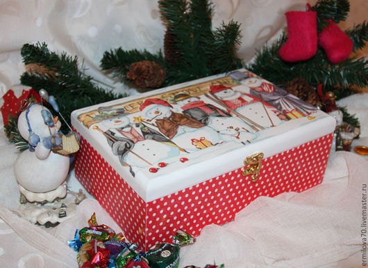 """Новый год 2017 ручной работы. Ярмарка Мастеров - ручная работа. Купить Короб """"Веселые снеговики"""". Handmade. Шкатулка, яркая, для чая"""