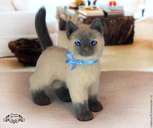 Игрушки животные, ручной работы. Ярмарка Мастеров - ручная работа. Купить Сиамский котёнок (игрушка из войлока). Handmade. Игрушка из шерсти