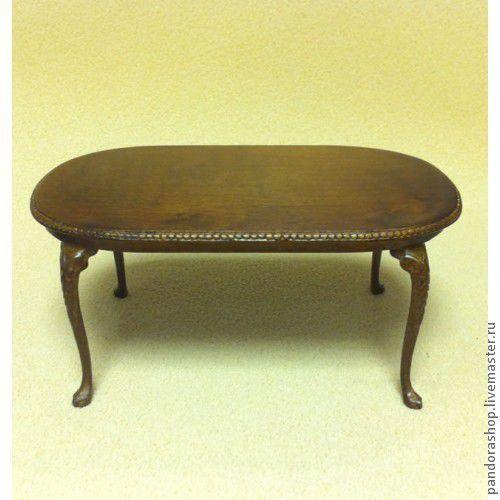 Обеденный стол полностью деревянный .Цвет орех. С резьбой на ножках и по краю столешницы. Размер столешницы 14,5 на 8 см. Высота стола 6,5 см. Коллекционная кукольная миниатюра, масштаб 1 к 12, изгото