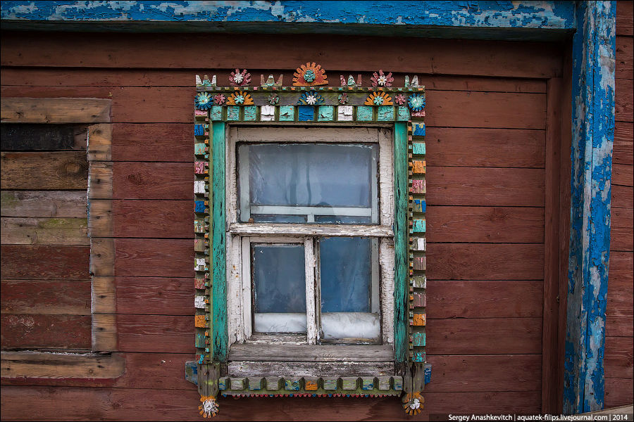 окна в деревенских домах фото работы