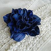Цветы и флористика ручной работы. Ярмарка Мастеров - ручная работа брошь синяя роза. Handmade.