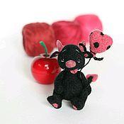 Куклы и игрушки ручной работы. Ярмарка Мастеров - ручная работа Чертенок Элвис валяная игрушка на Хэллоуин. Handmade.