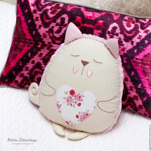 """Текстиль, ковры ручной работы. Ярмарка Мастеров - ручная работа. Купить Котенок """"Сплюшка"""", авторская подушка-игрушка, 32 см. Handmade."""