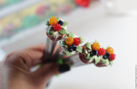 Ложки ручной работы. Ярмарка Мастеров - ручная работа. Купить Вкусная ложка с ягодами. Handmade. Вкусная ложка, ложка с героем