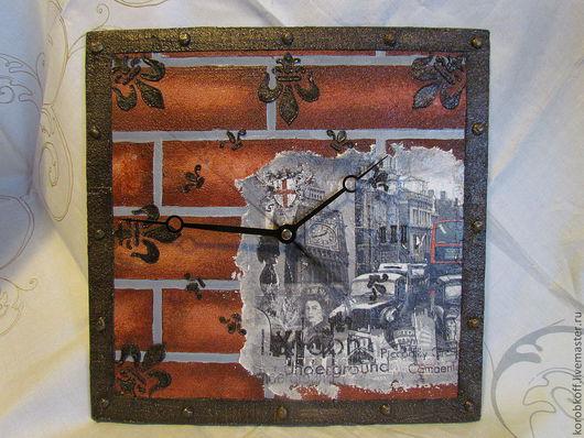 """Часы для дома ручной работы. Ярмарка Мастеров - ручная работа. Купить часы настенные """"Боже,храни Королеву!"""". Handmade. Бордовый"""