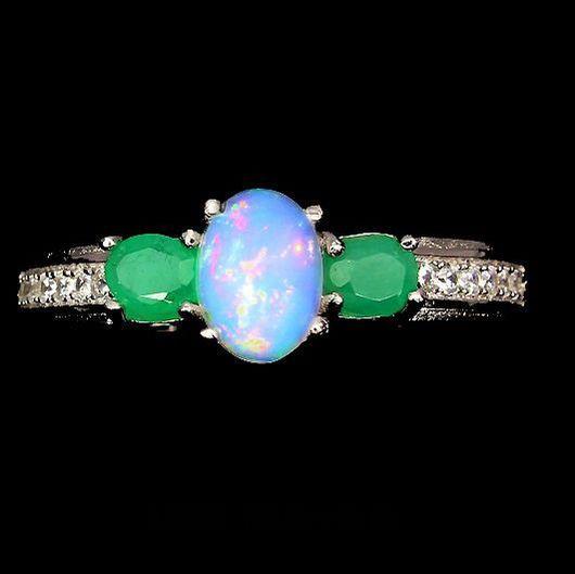 """Кольца ручной работы. Ярмарка Мастеров - ручная работа. Купить """"Elegant"""" кольцо с опалом Эфиопии и изумрудом. Handmade. Опал"""