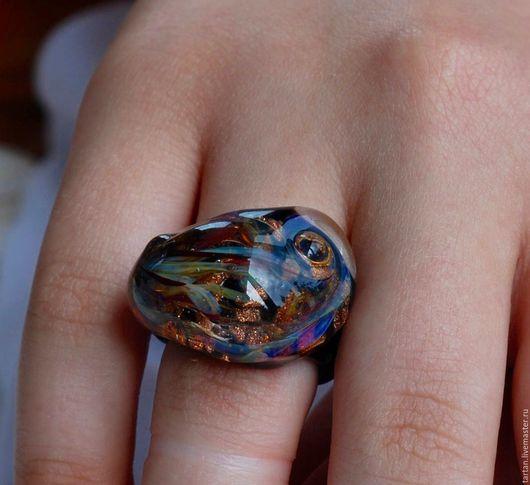 кольцо лэмпворк кольцо с вплавленным серебром 999 кольцо из муранского стекла купить кольцо