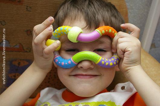 Обожаю детей, люблю их фотографировать! Счастлива, когда получается запечатлеть эмоции! Готова разделить эту радость с Вами!