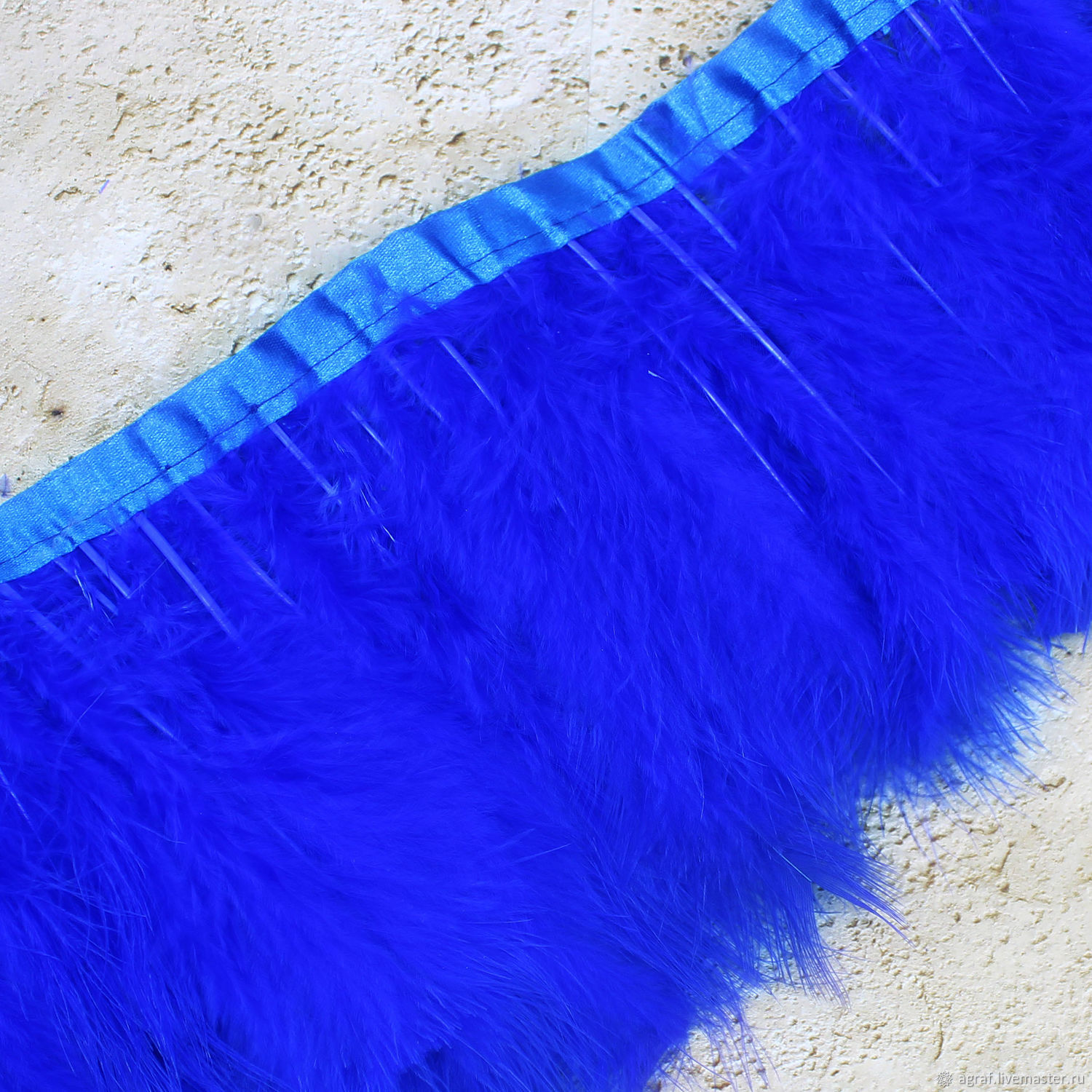 The feathers on the ribbon are Blue, the length of the pen is 12-20 cm, the ribbon is 10 cm, Feathers, Solikamsk,  Фото №1